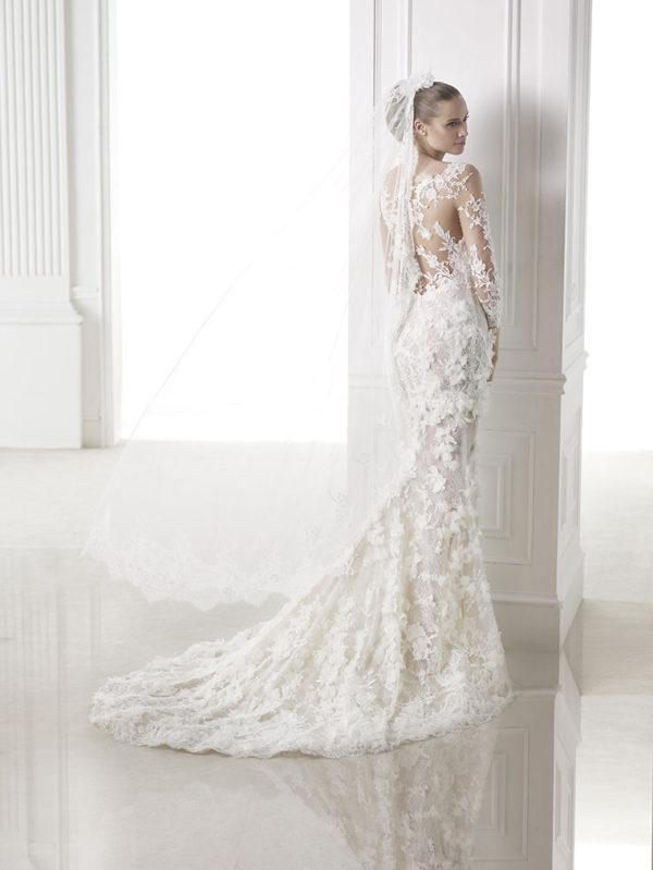 Capricornio Atelier Pronovias Wedding Bridal Gown Chicago Back