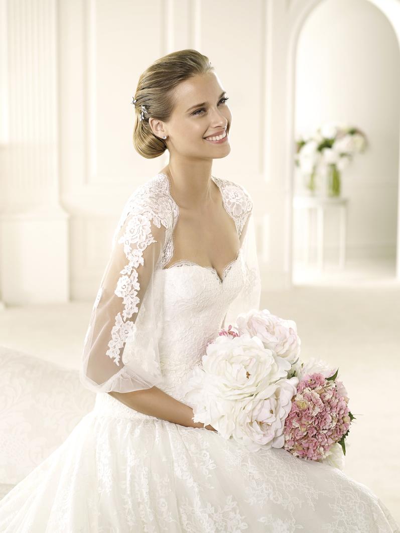 Valencia by atelier pronovias for Sample wedding dresses chicago