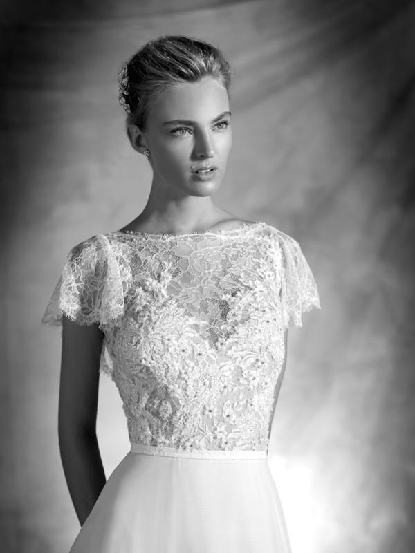Vera Atelier Pronovias Mira Couture Wedding Bridal Gown Chicago Detail