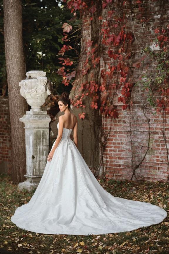 Mira Couture Justin Alexander Signature Wedding Dress Bridal Gown 9858 Chicago Boutique Salon Back