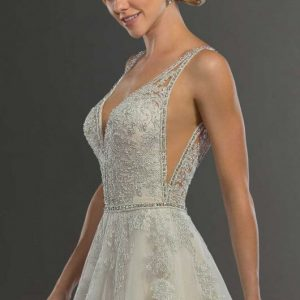 Mira Couture Martina Liana 954 Wedding Gown Bridal Dress Chicago Boutique Front Side Detail