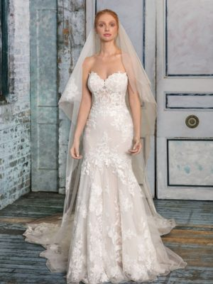 Mira Couture Justin Alexander Signature Wedding Dress Bridal Gown Boutique Chicago Front