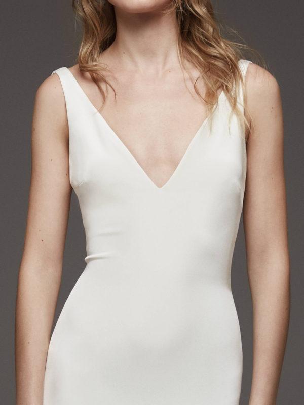 Mira Couture Atelier Pronovias Hispalis Wedding Dress Bridal Gown Chicago Boutique Front Detail