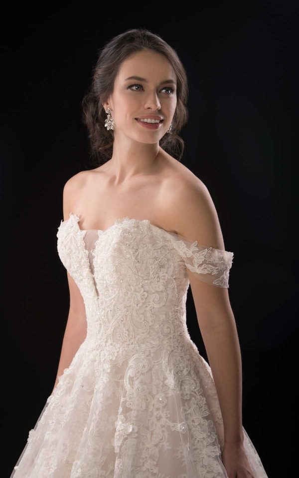 Mira Couture Martina Liana 999 Wedding Dress Bridal Gown Chicago Boutique Custom Design Front Detail