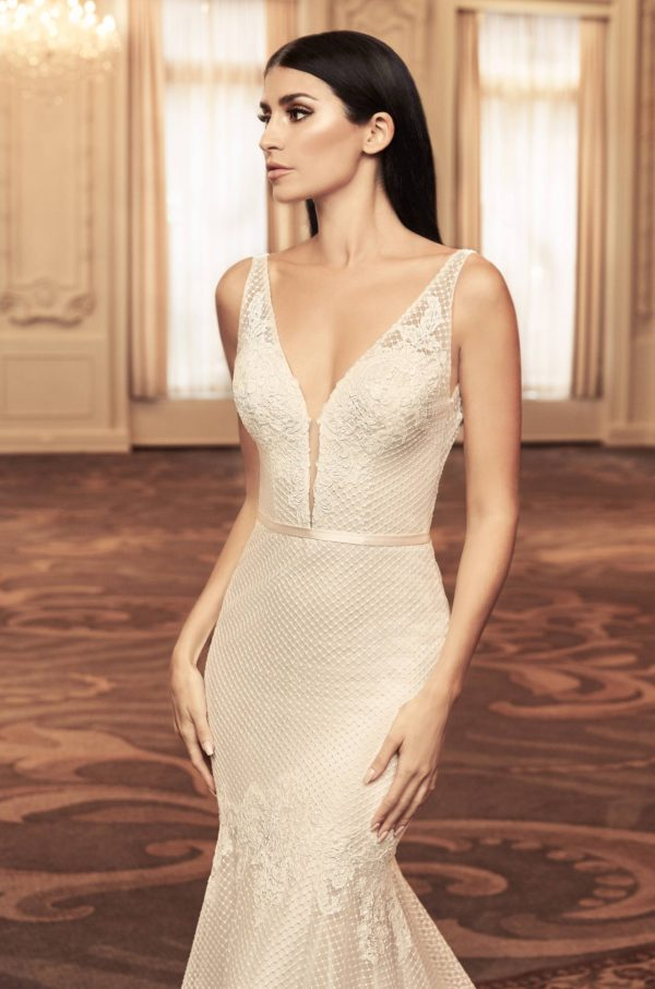 Mira Couture Paloma Blanca 4806 Wedding Dress Bridal Gown Chicago Boutique Close