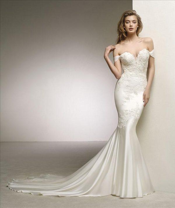 Mira Couture Pronovias Dante Wedding Dress Bridal Gown Chicago Boutique Front