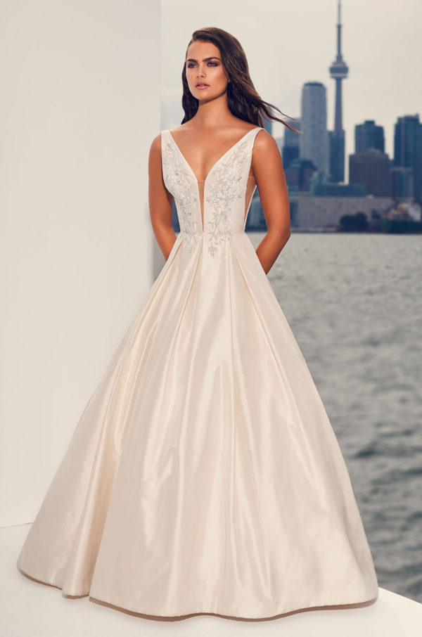 Mira Couture Paloma Blanca 4825 Wedding Dress Bridal Gown Chicago Boutique Full