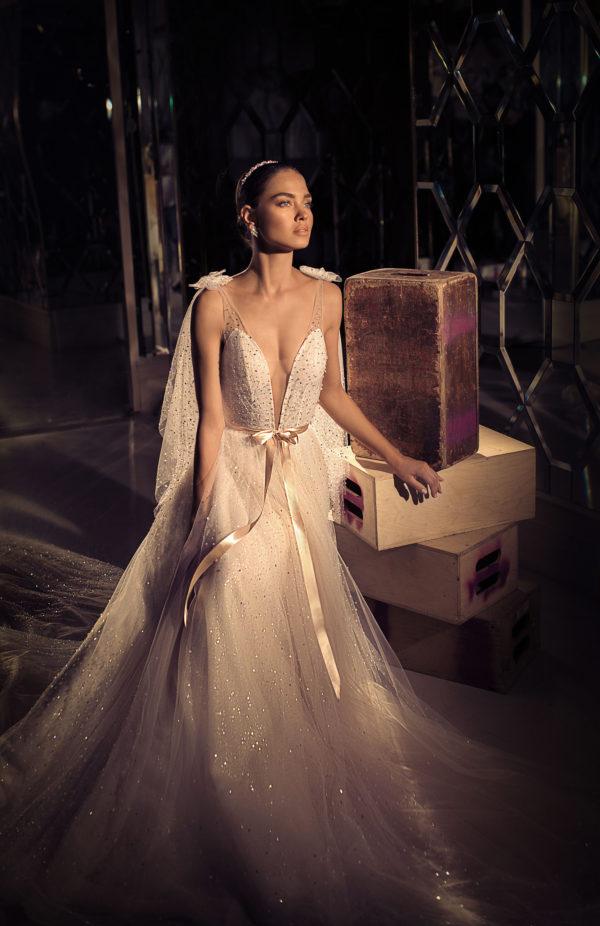 Mira Couture Elihav Sasson e059 Wedding Dress Bridal Gown Chicago Illinois Boutique Front