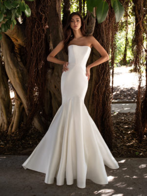 Mira Couture Pronovias Oberon Wedding Dress Bridal Gown Barcelona Designer Chicago Boutique Front